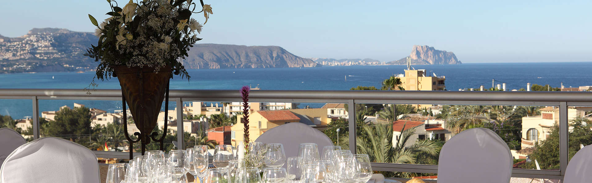 Escapade estivale à Albir: dîner pour deux avec vue sur la piscine et 90 minutes d'accès au spa