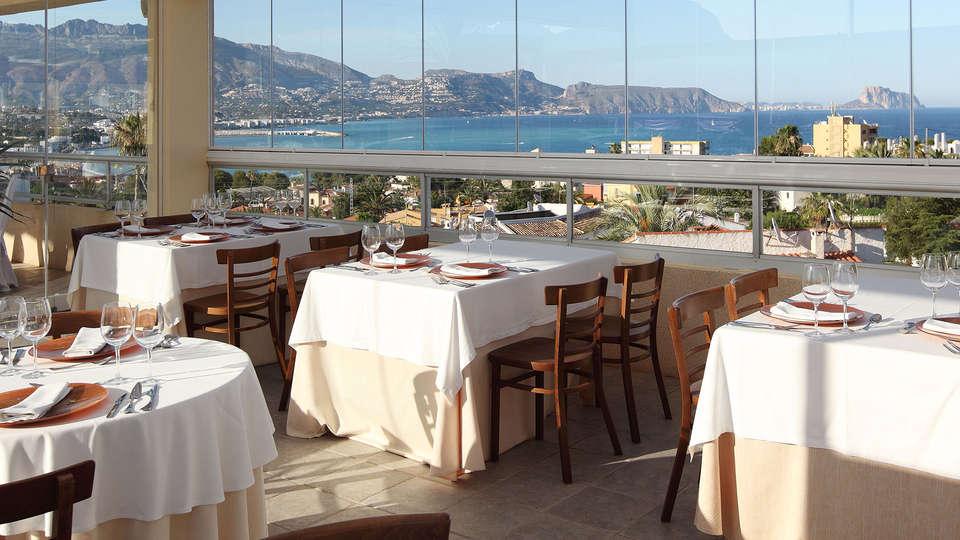 Hotel Sun Palace Albir - EDIT_restaurant3.jpg