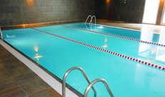 Accès à la piscine intérieure pour 2 adultes