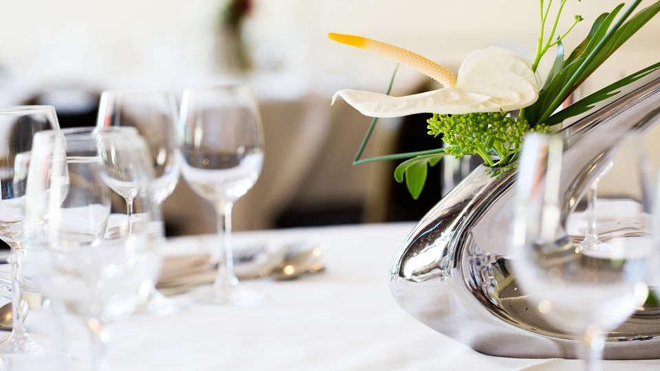Hôtel Vacances Bleues - La Villa du Lac et Spa - edit_dinner.jpg