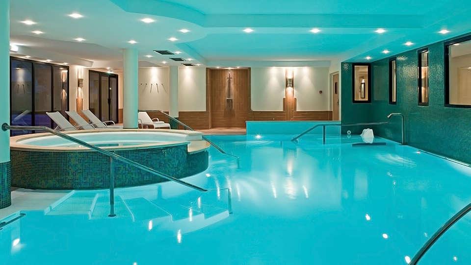 Hôtel Vacances Bleues - La Villa du Lac et Spa - edit_pool.jpg
