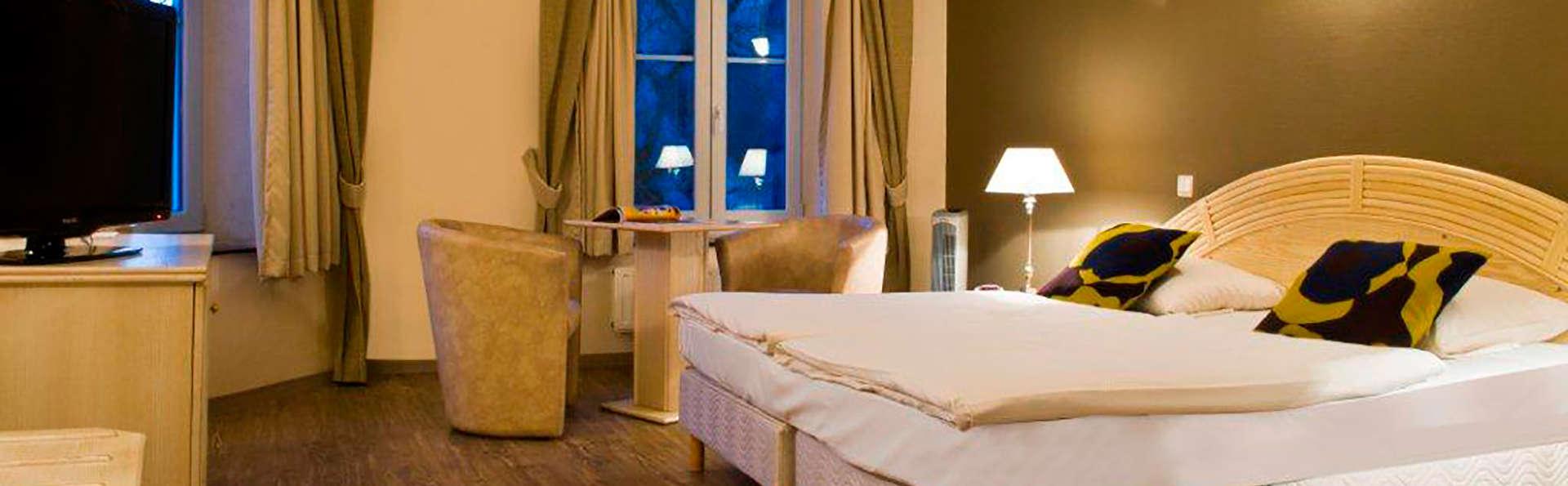 Cocoon Hotel Grenier des Grottes - EDIT_room.jpg