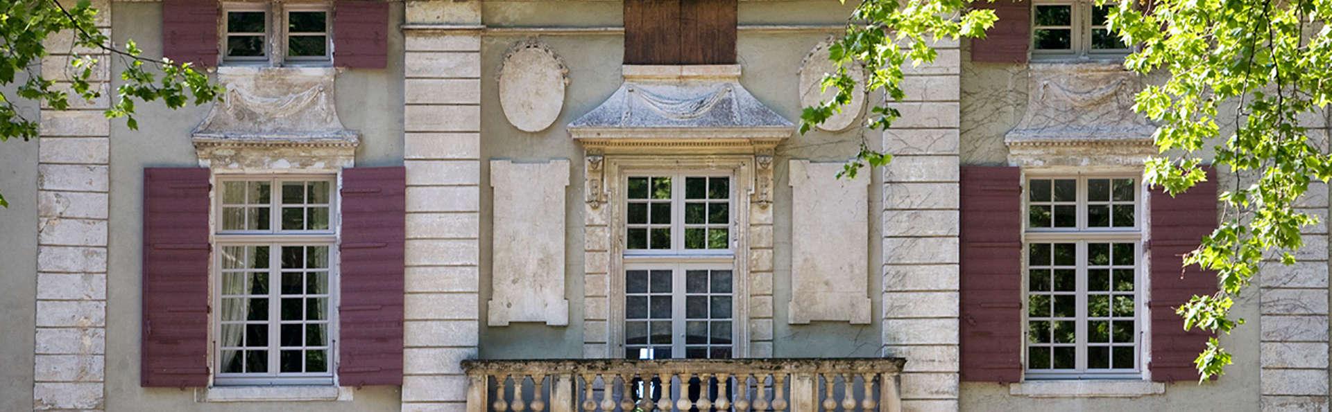 Château de Roussan - EDIT_facade.jpg