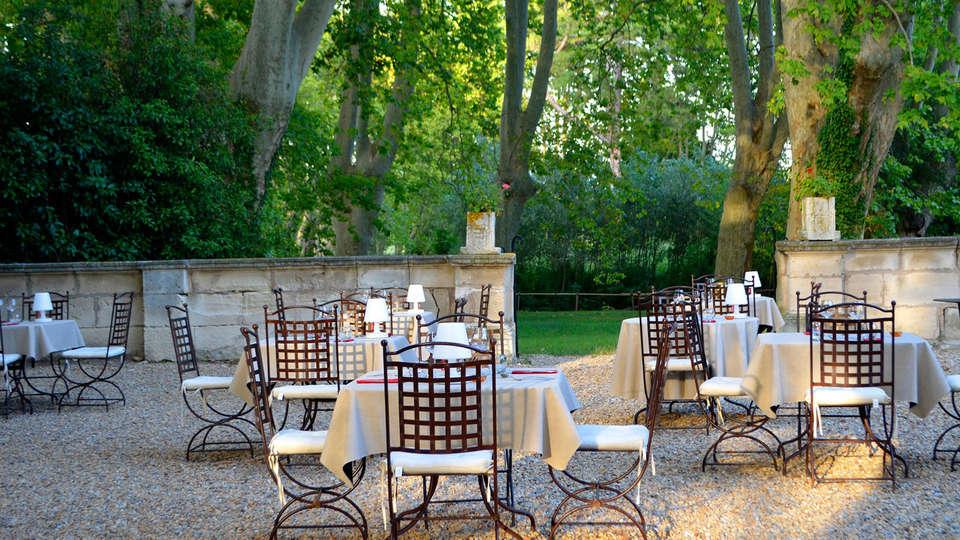 Château de Roussan - EDIT_patio.jpg