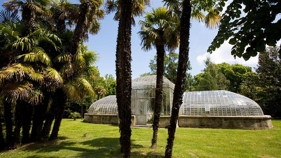 Château de Roussan - EDIT_garden2.jpg