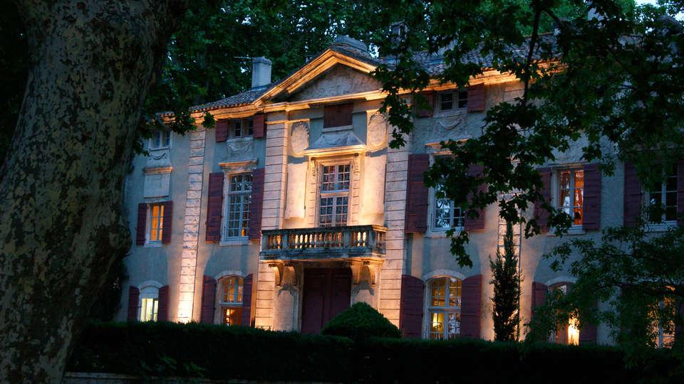 Château de Roussan - EDIT_front021.jpg
