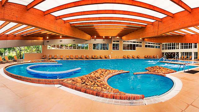 1 acceso a la piscina termal para 2 adultos