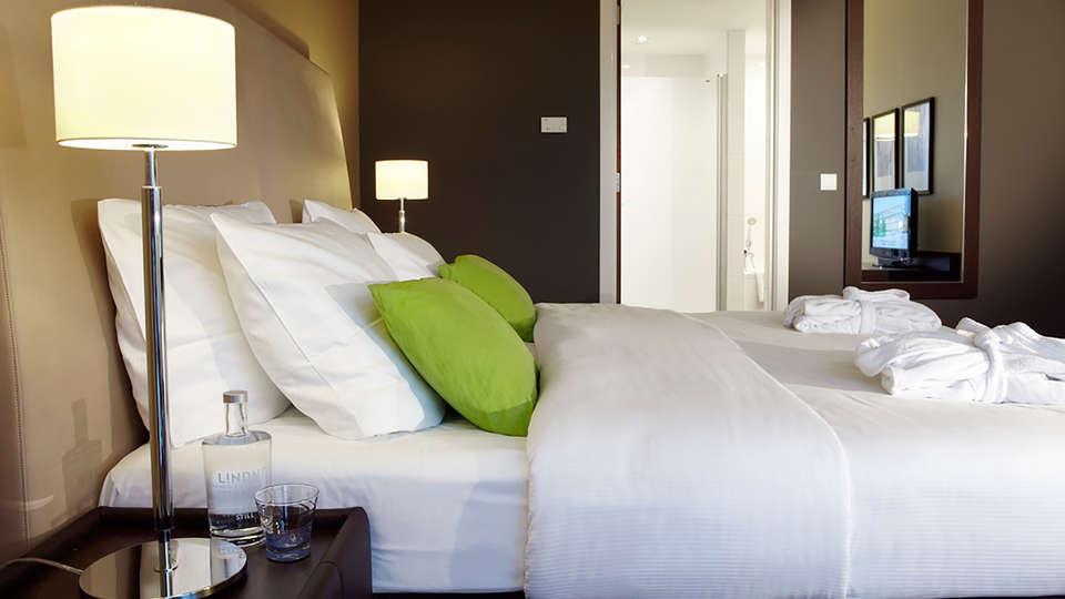 Lindner WTC Hotel & City Lounge Antwerp - EDIT_room1.jpg
