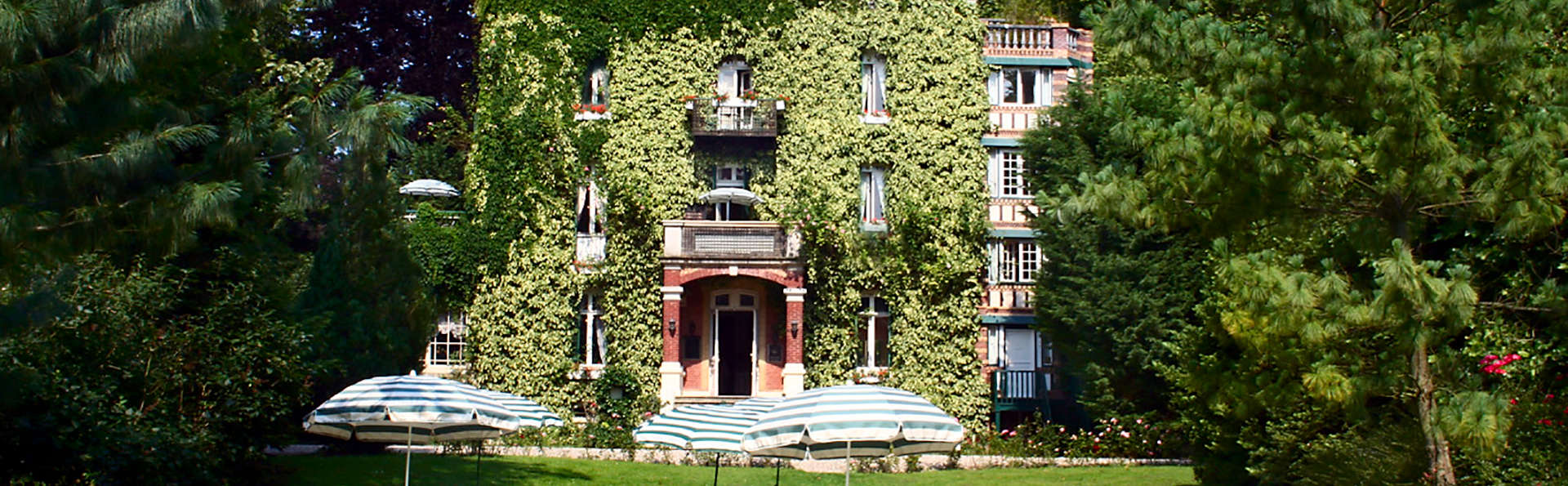 Hôtel Belle Isle sur Risle - edit_facade1.jpg