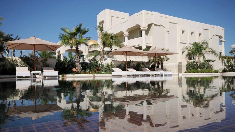 Visir Resort & Spa - Edit_Terrace.jpg