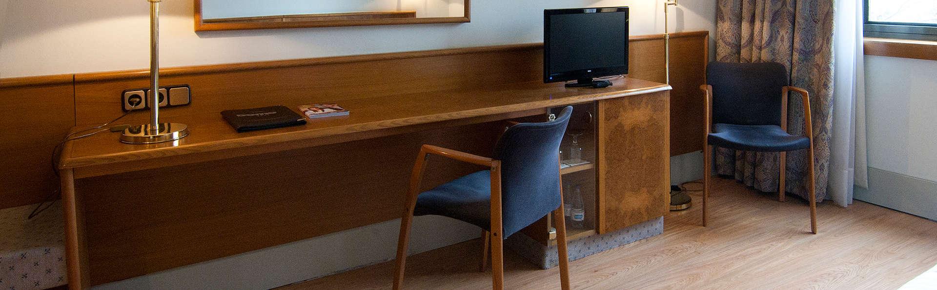 Hotel Domo - EDIT_room2.jpg