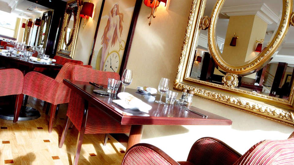 Hôtel Aston La Scala - edit_restaurant_Horloge_Salle_Miroir.jpg