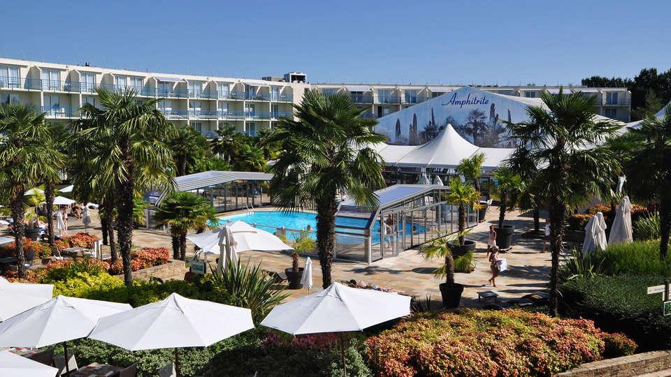 Westotel Nantes Atlantique - EDIT_gardens2.jpg