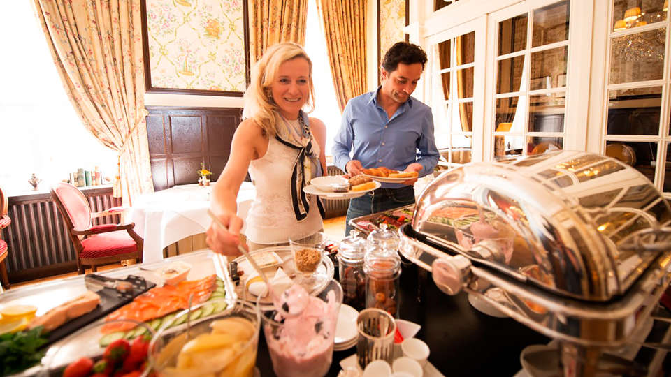 Relais & Châteaux Hotel Heritage - EDIT_buffet.jpg
