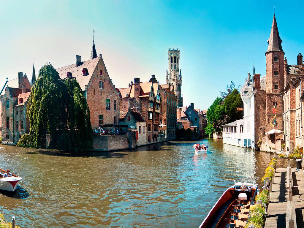 Balade en bateau dans la Venise du Nord 5*