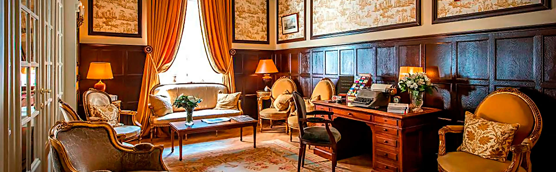 Relais & Châteaux Hotel Heritage - EDIT_lobby.jpg