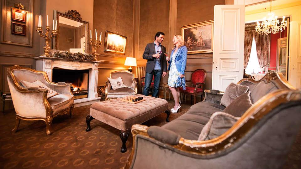 Relais & Châteaux Hotel Heritage - EDIT_peopledrink.jpg