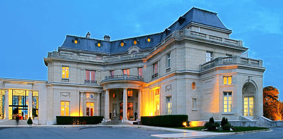 Tiara ch teau h tel mont royal chantilly 5 la chapelle for Reservation hotel sud de la france