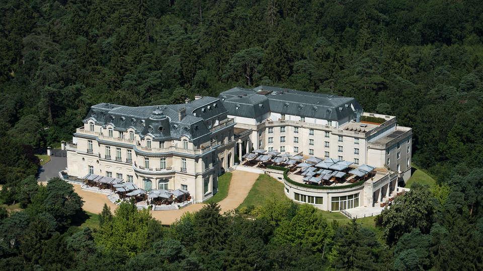 Tiara Château Hôtel Mont Royal Chantilly - EDIT_frontaerea.jpg