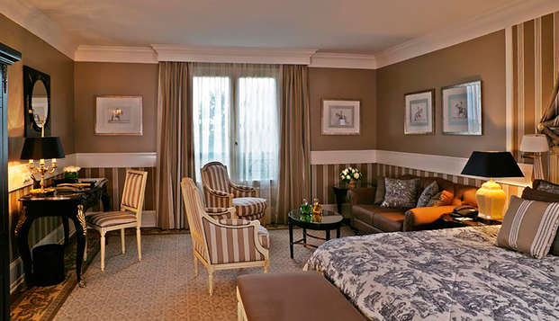 Tiara Chateau Hotel Mont Royal Chantilly - room