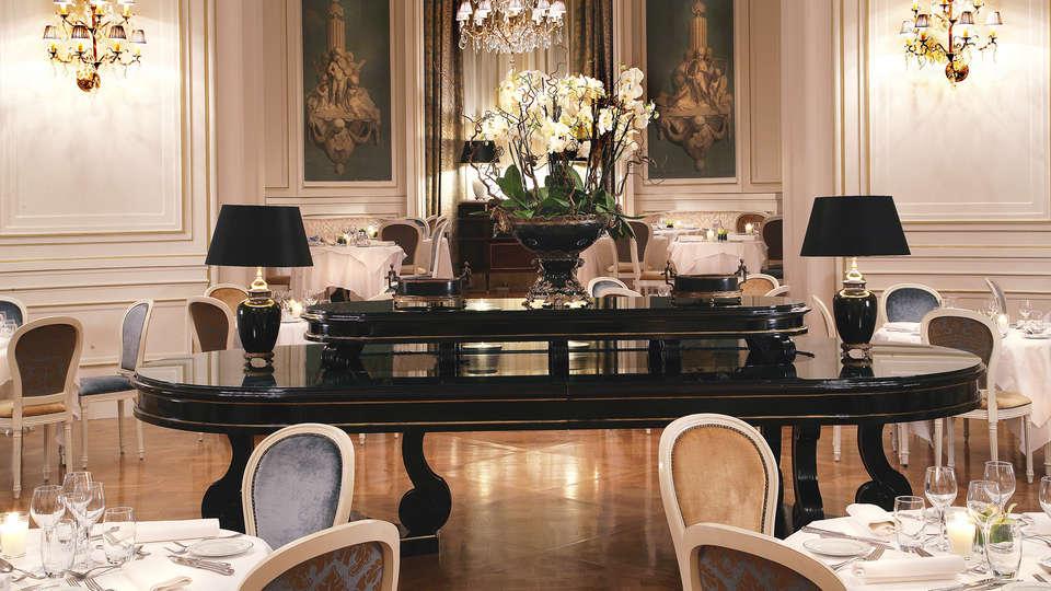 Tiara Château Hôtel Mont Royal Chantilly - EDIT_restaurant.jpg