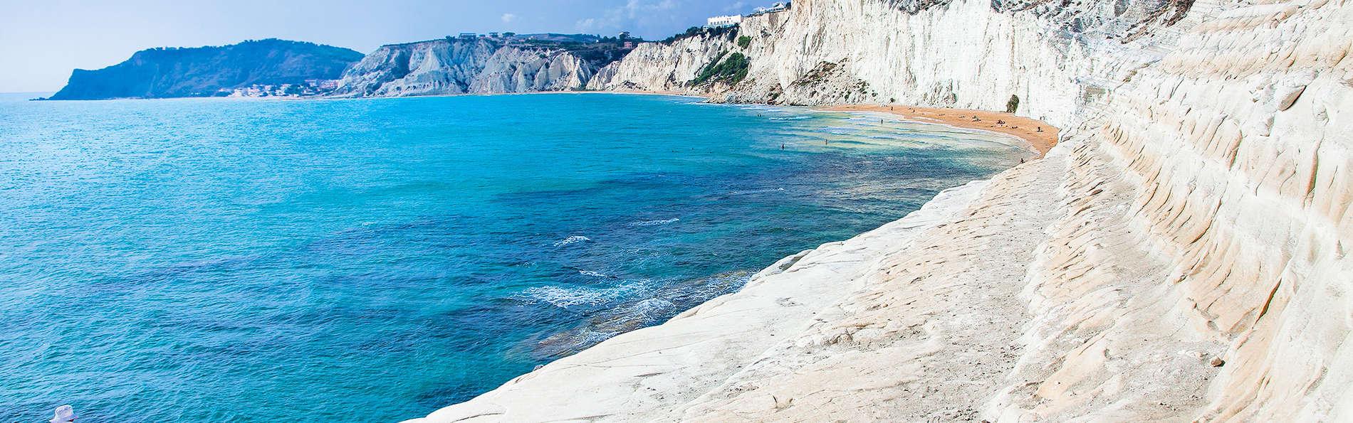 Offerta per la Scala dei Turchi: Sicilia in esclusiva affacciati sulla costa
