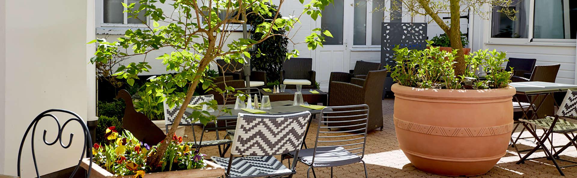 La Colonne de Bronze - Edit_Terrace3.jpg