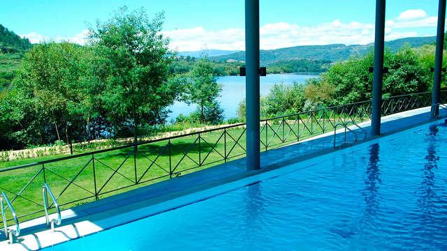 Escapada al Parque Natural do Xures en Galicia: relájate con tratamientos termales