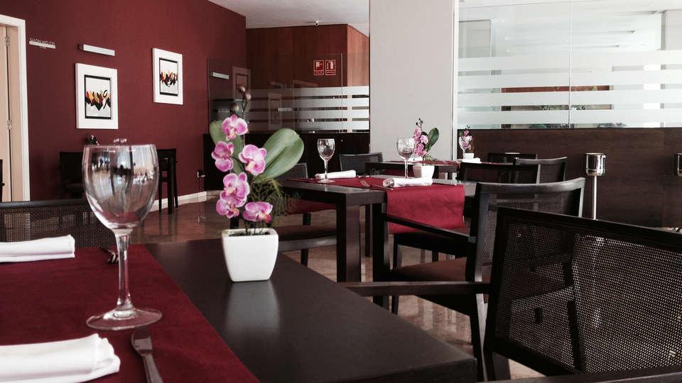 Hotel Xon's Valencia - EDIT_restaurant1.jpg
