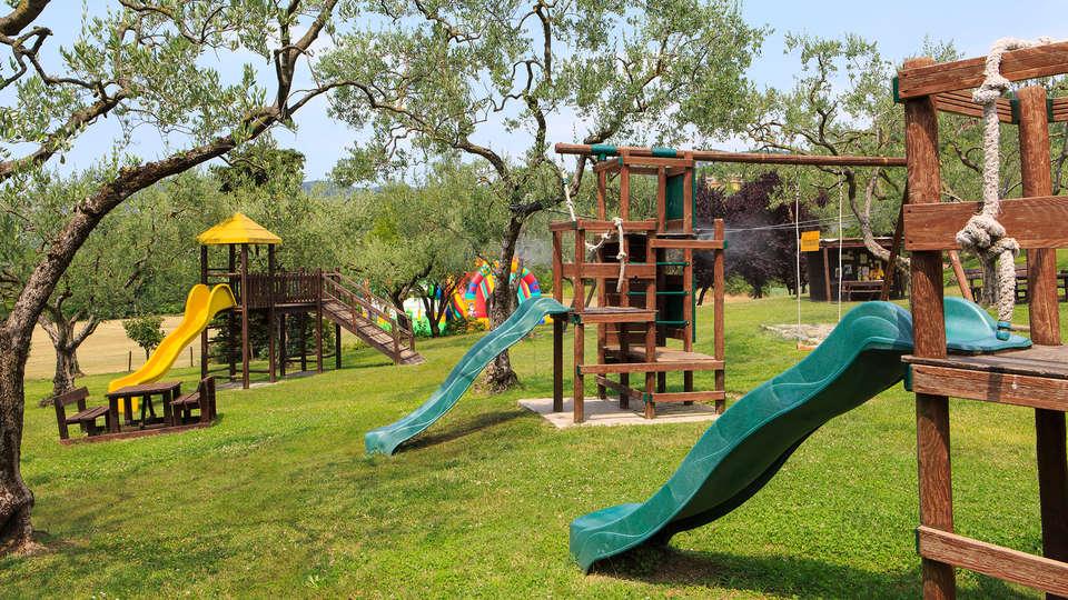 Poiano Resort - EDIT_park.jpg