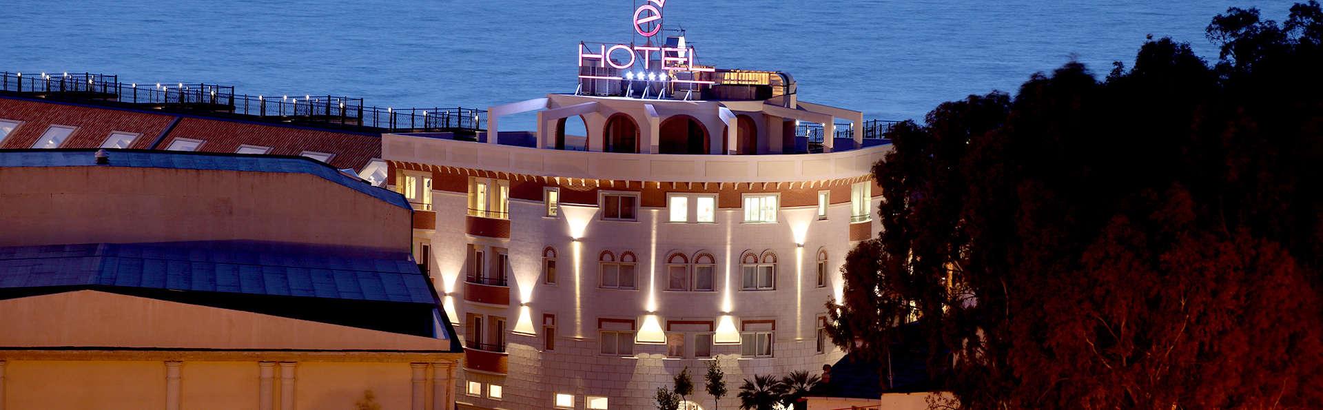 è Hotel - Edit_Front2.jpg