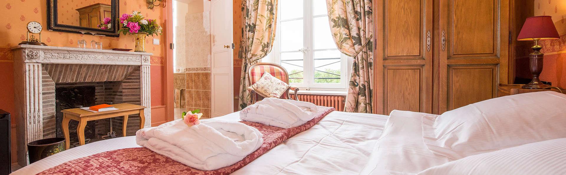Château d'Ygrande  - EDIT_room1.jpg