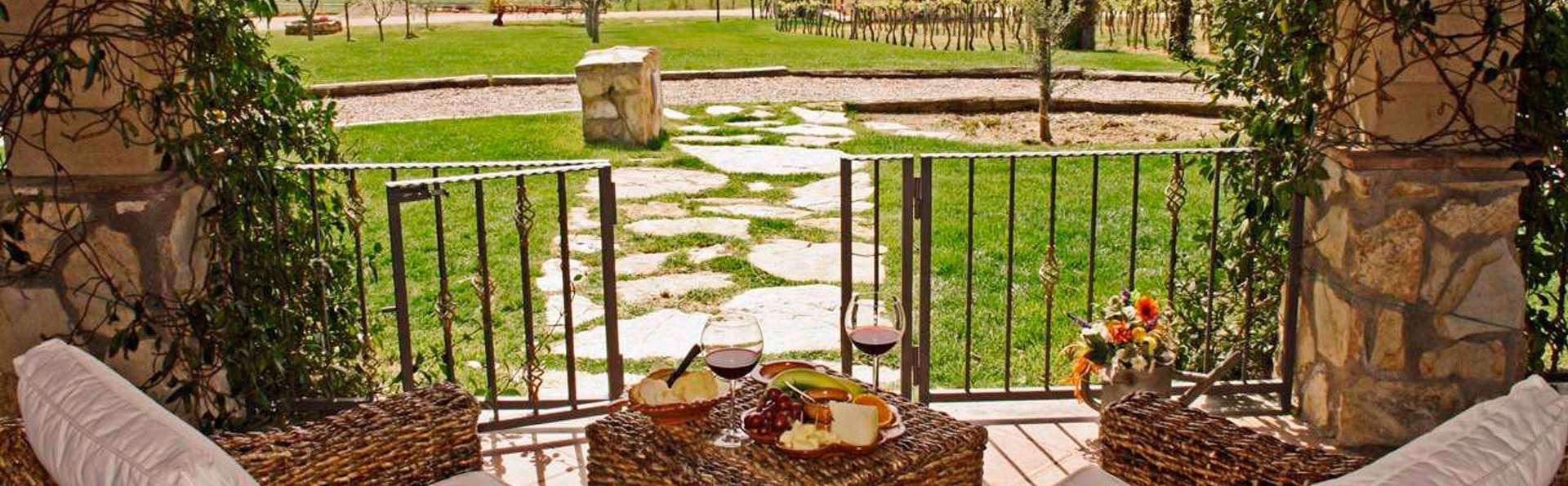 Fattorie Poggio Nebbia - edit_garden.jpg