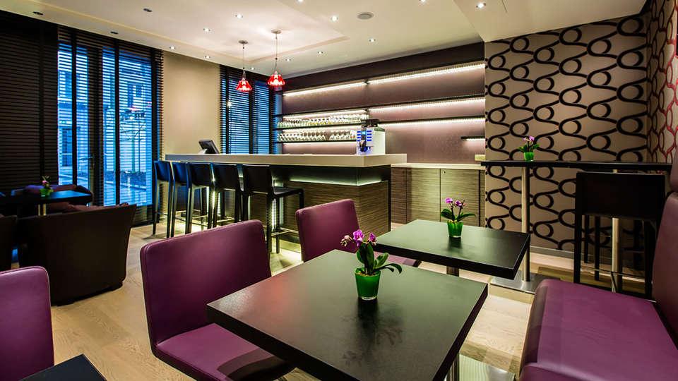 Mercure Brussels Centre Midi - EDIT_bar.jpg
