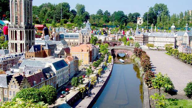 A orillas del mar en Scheveningen y visita al parque en miniatura de Madurodam