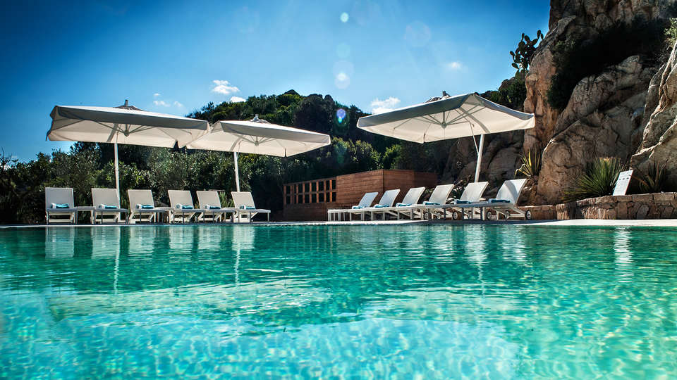 Grand Hotel Resort Ma&Ma - Edit_Pool2.jpg