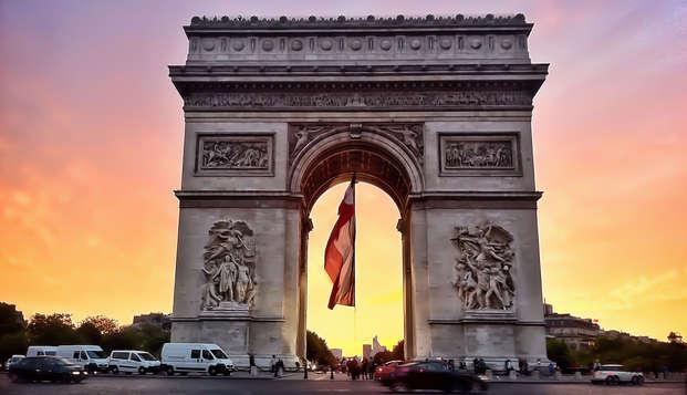Disfruta de un París 4* con vistas increíbles a los Campos Elíseos y visita al Arco de Triunfo