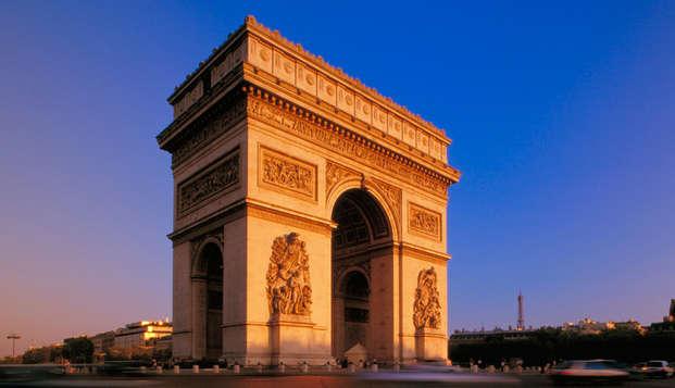 Visita el Arco del Triunfo con un viaje deluxe a París