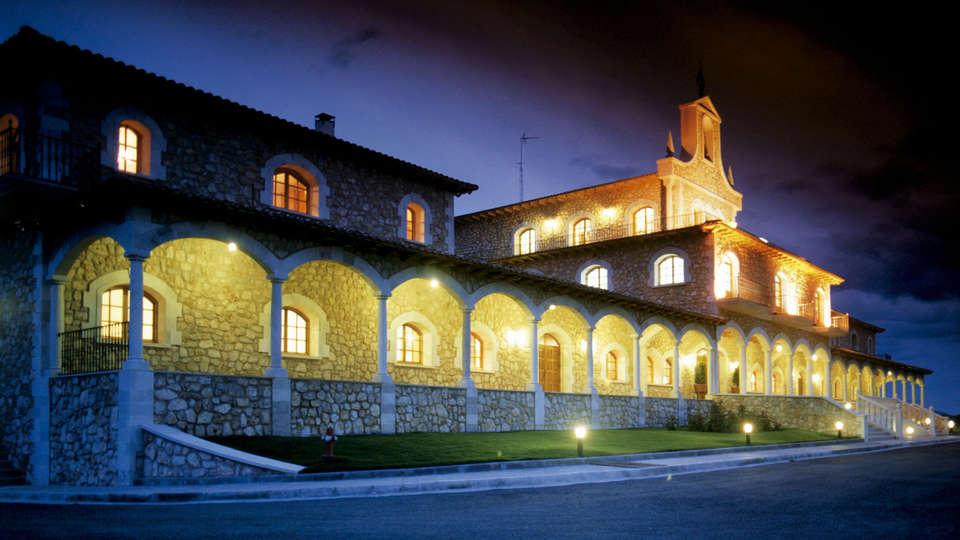 Hotel & Spa Arzuaga - EDIT_frontnight.jpg