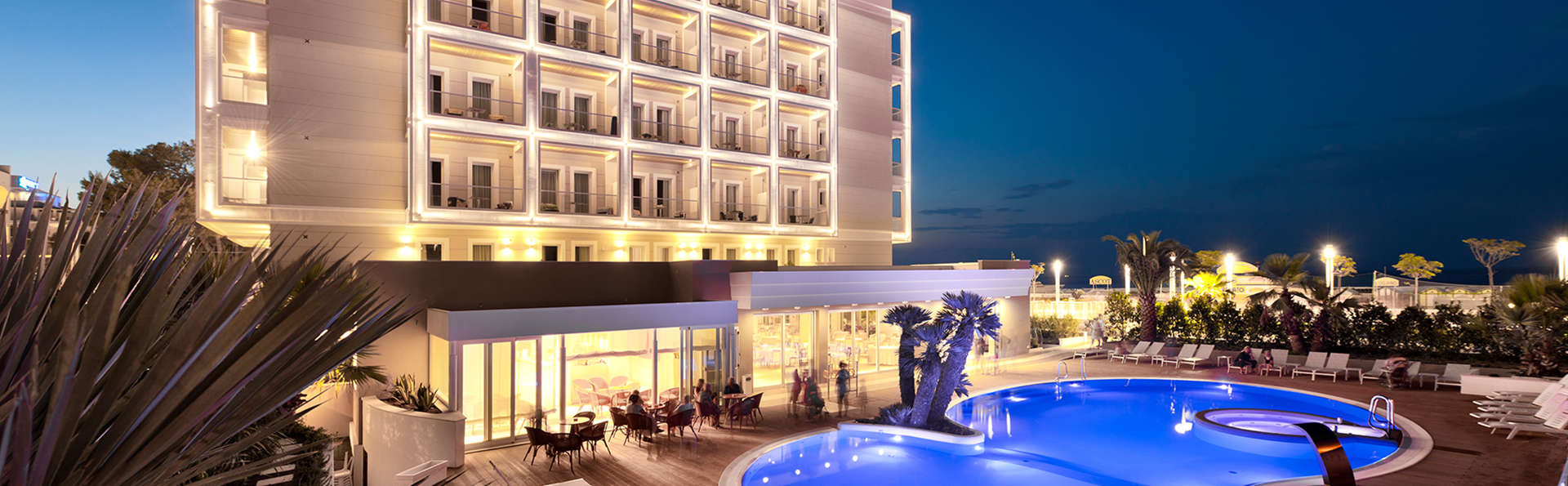 Hotel Ambasciatori - Edit_Pool3.jpg