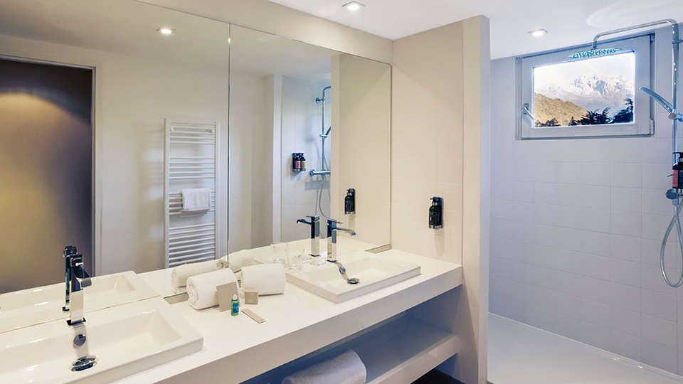 Mercure Brides-les Bains Grand Hôtel des Thermes - edit_bathroom.jpg