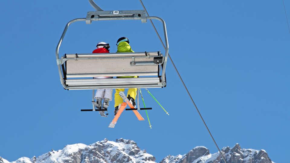 Mercure Brides-les Bains Grand Hôtel des Thermes - edit_ski.jpg