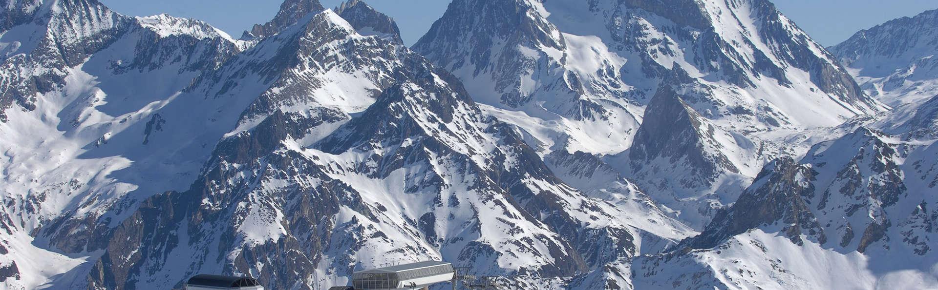Mercure Brides-les Bains Grand Hôtel des Thermes - edit_ski1.jpg