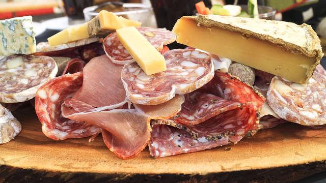 Escapada en el casco antiguo de Cáceres con degustación de ibéricos y vino