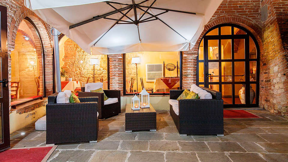 Hotel Borgo Sant'Ippolito - edit_lobby.jpg