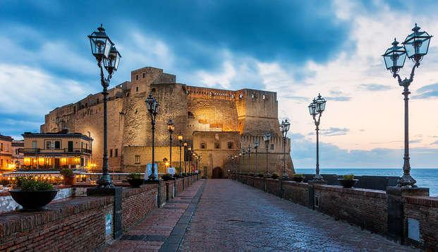 Vacances au centre de Naples dans un bâtiment historique