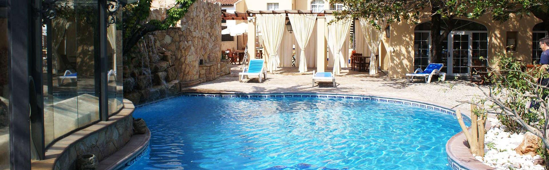 Hotel Termes La Garriga - EDIT_pool.jpg