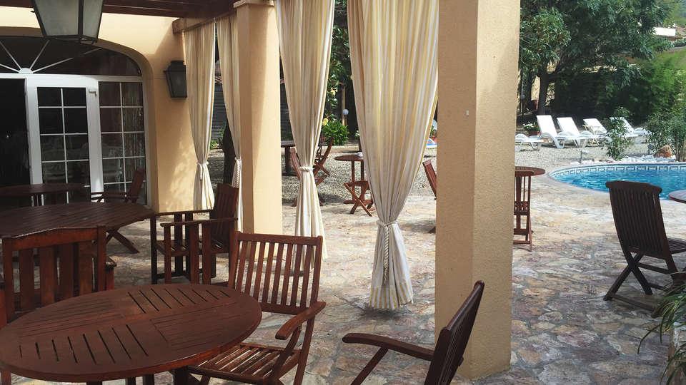 Hotel Termes La Garriga - EDIT_terrace.jpg