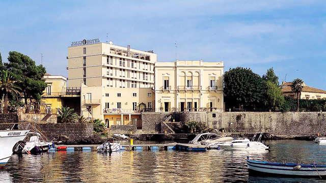 Surplombez l'Etna dans un élégant hôtel en demi-pension aux portes de Catane