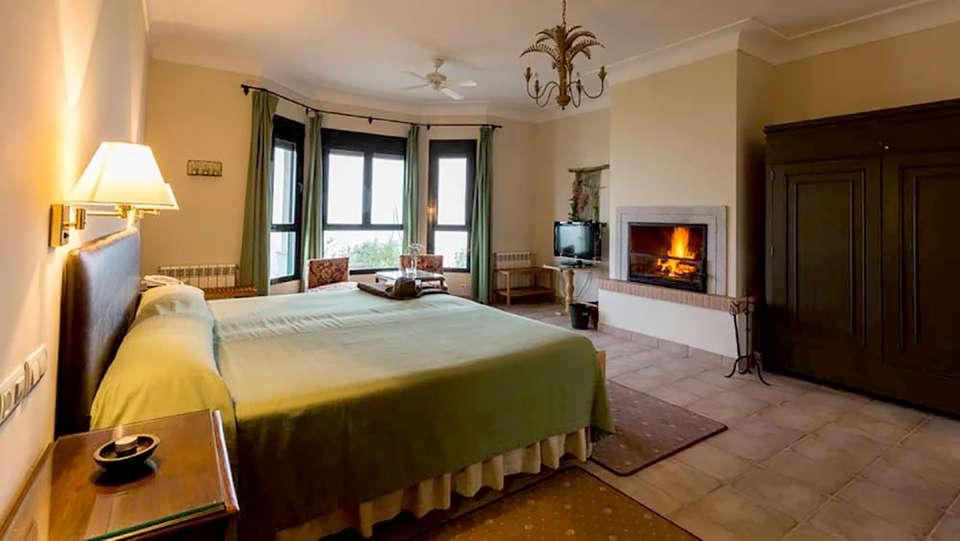Hotel Baldio Grande - Edit_Room2.jpg